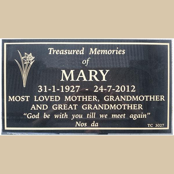 Pinnaroo Memorial Plaques, Funeral Urns